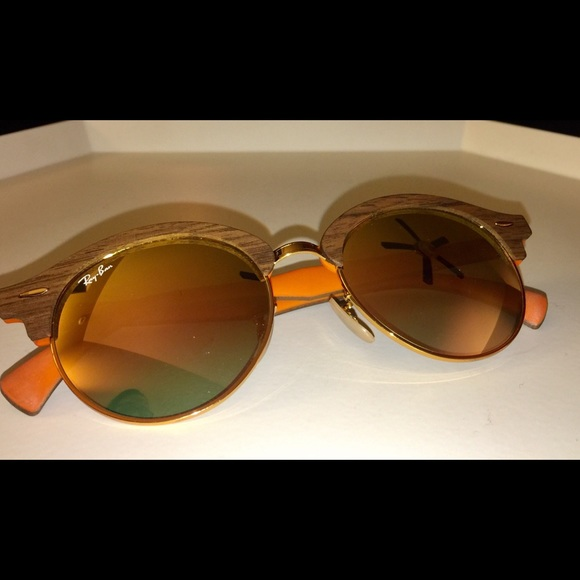 1483179e37c4d Ray-Ban CLUBROUND WOOD SUNGLASSES MIRRORED LENSES.  M 5c231f47df030787a538ccae